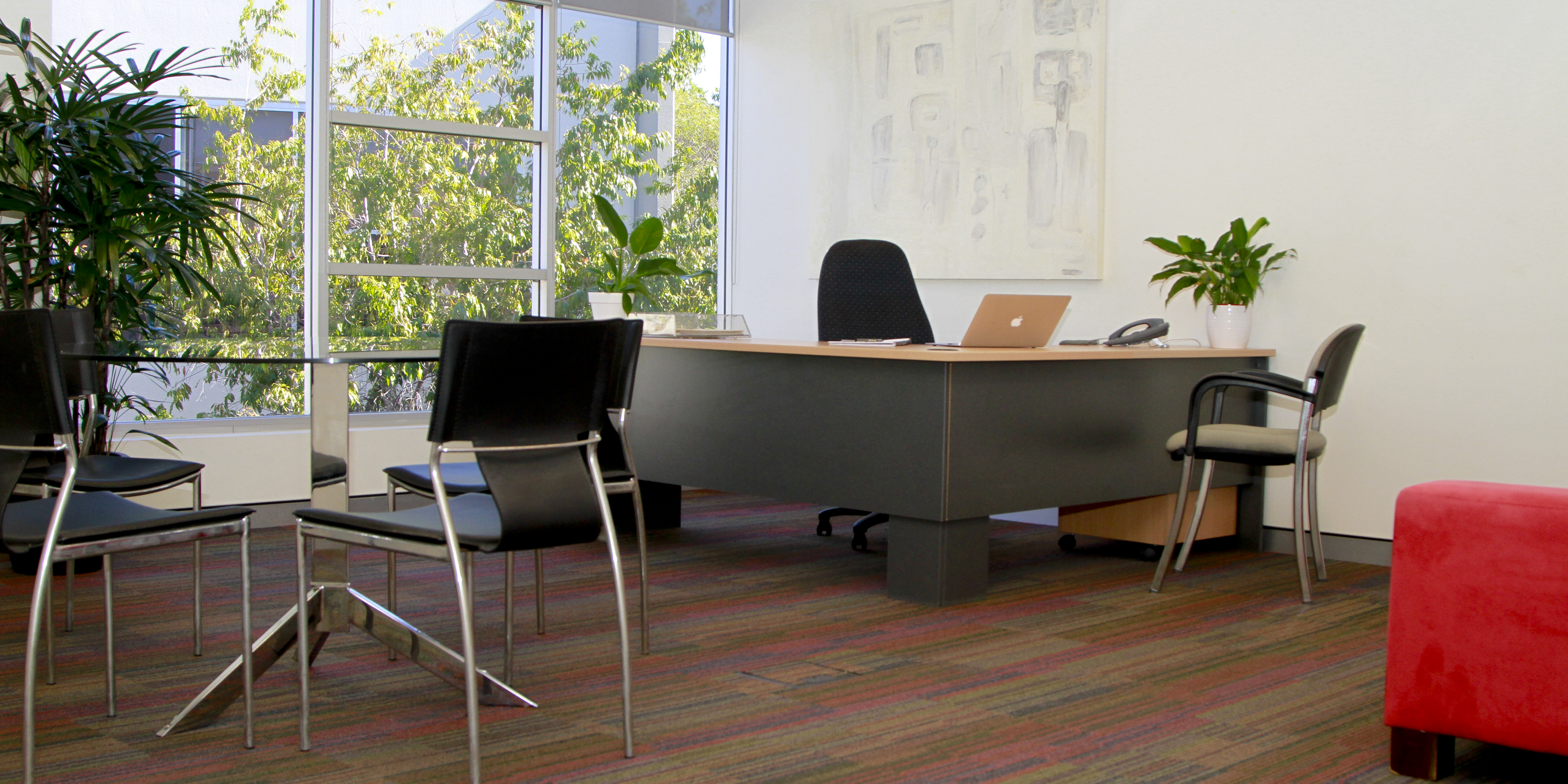 SERVICED OFFICES, COWORKING and MEETING ROOMS